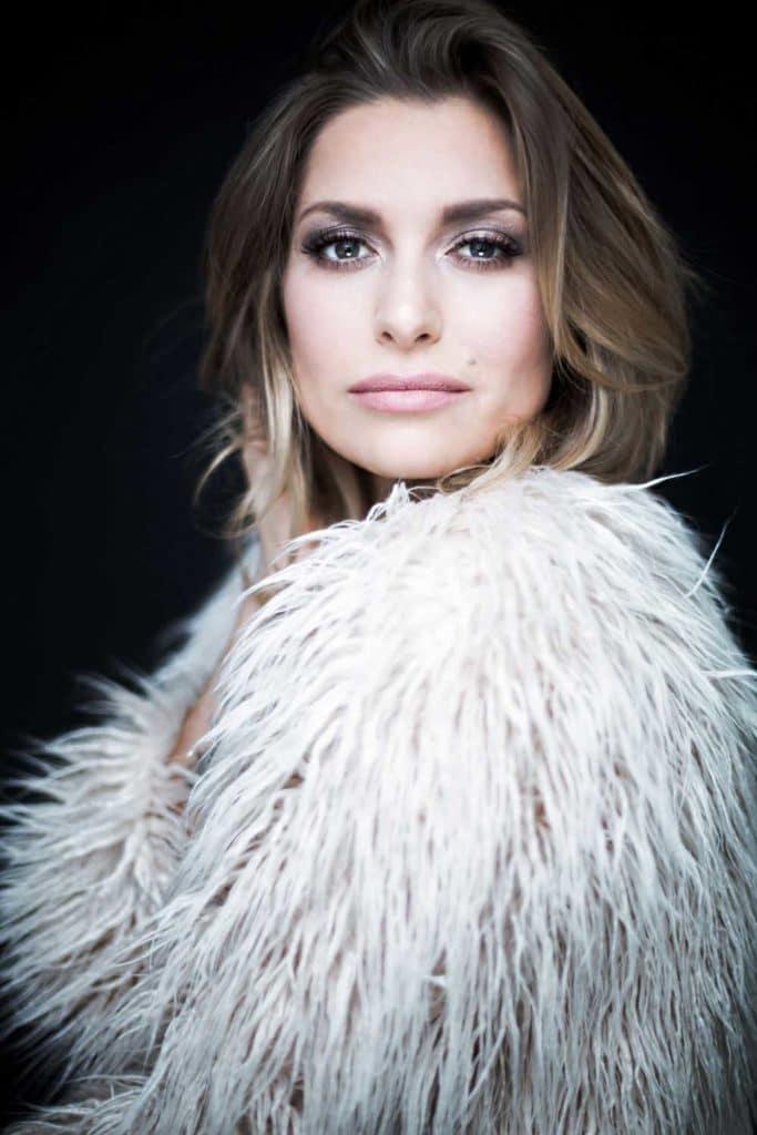 Amazing Giulia - Sängerin der Coverband