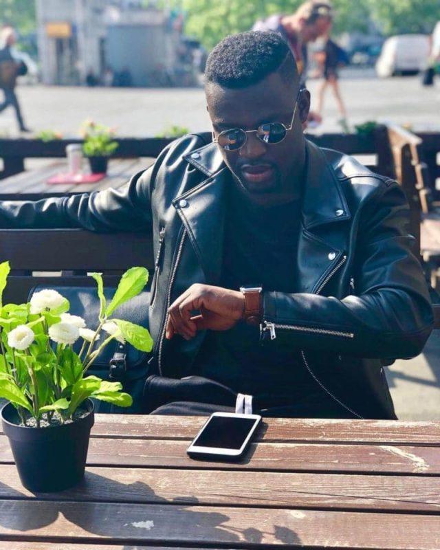 TeAmoR - cooler, lässiger, smarter Sänger von Play with Jay